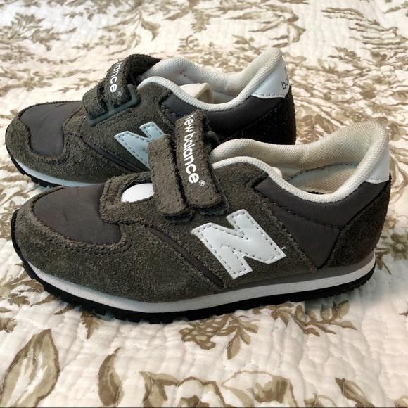 New Balance 420 Velcro gray sneakers Sz 8 not worn